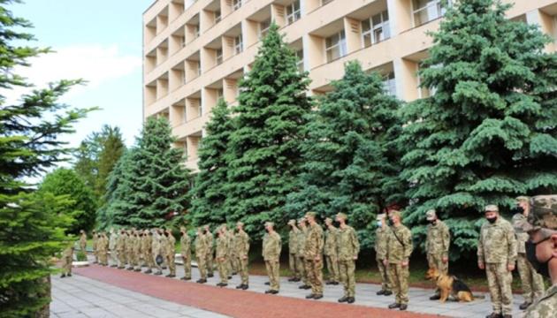 Українські миротворці завершили обсервацію у Трускавці та вилетіли за кордон для нової місії - ЗМІ