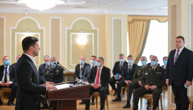 Зеленский поручил реформировать Службу внешней разведки