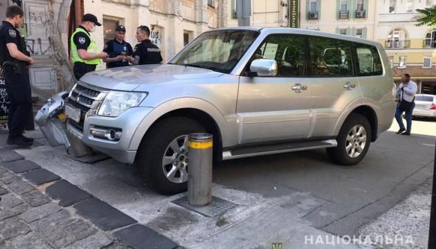 В Киеве задержали угонщика внедорожника посла ЮАР