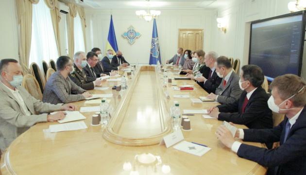 У РНБО обговорили захист систем Центральної виборчої комісії на місцевих виборах