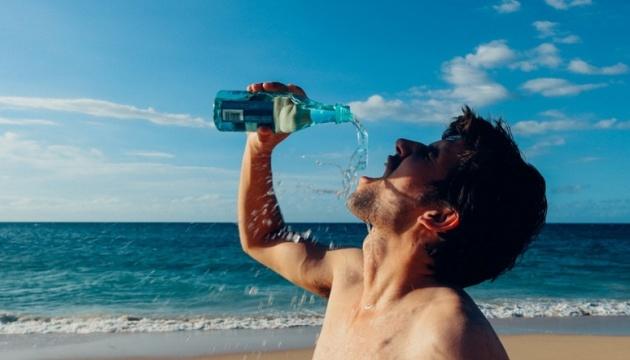 Холодні напої у спеку можуть викликати судоми шлунка - медики