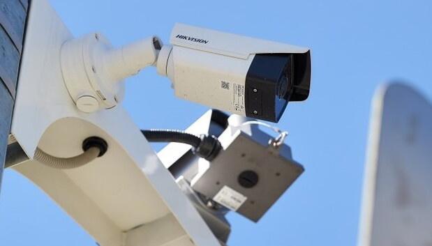 Камери на дорогах фіксуватимуть проїзд смугою для громадського транспорту