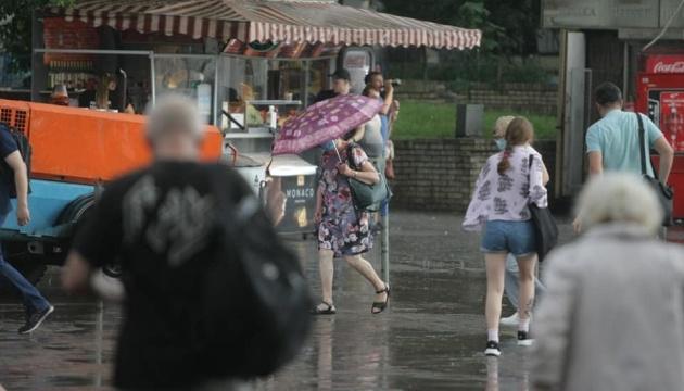Дожди не отступают: в каких регионах жара подсушит лужи