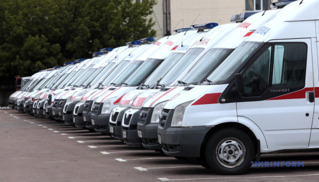 """10 хвилин на порятунок життя: як працюють столичні """"швидкі"""""""