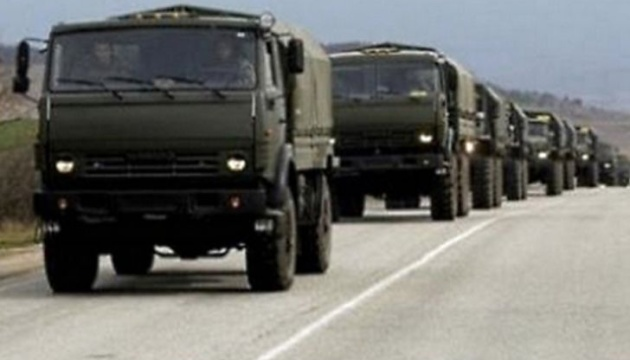 Russia sends 20 ammunition trucks and armored vehicles to Donbas