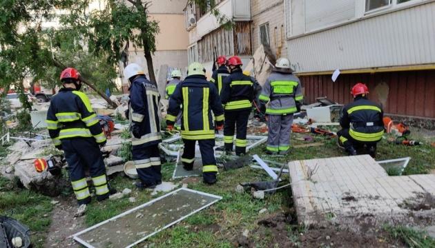 Вибух у Києві: рятувальники закінчують роботу, будинок - під цілодобовою охороною