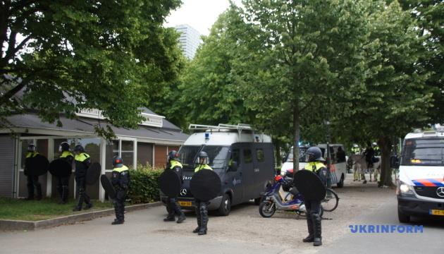 У Гаазі поліція застосувала водяні гармати на