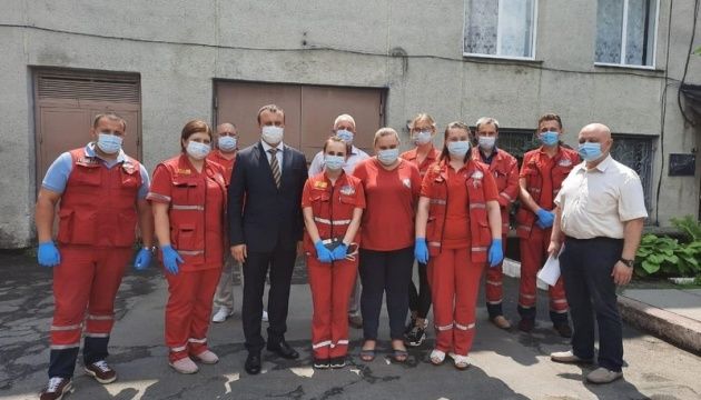 Голова ОДА пообіцяв медикам вінницької «швидкої» покращення умов роботи