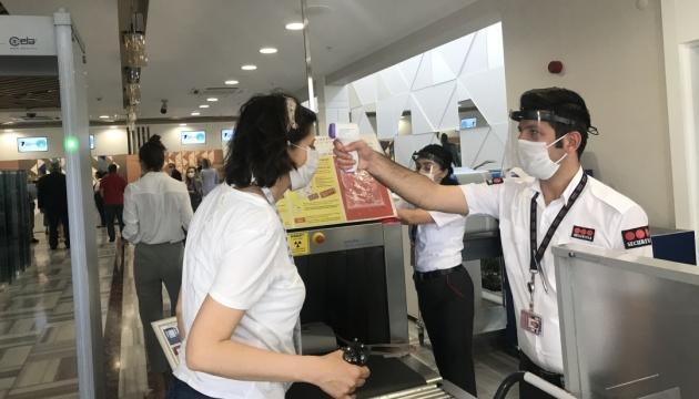 Консул в Анталії розповів, як перевіряють туристів і що роблять у разі виявлення COVID-19