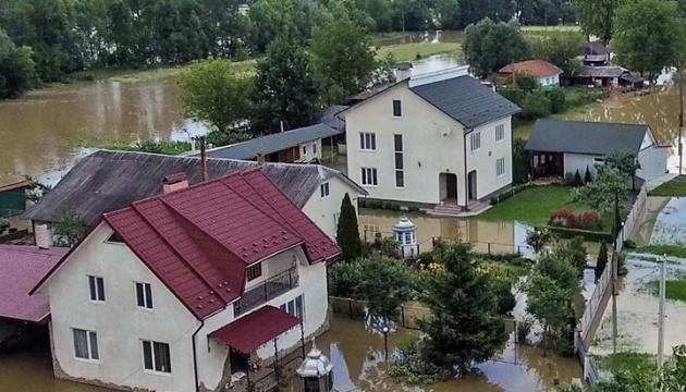 Hochwasser im Westen der Ukraine: 70 Ortschaften bleiben überflutet, 83 Brücken zerstört