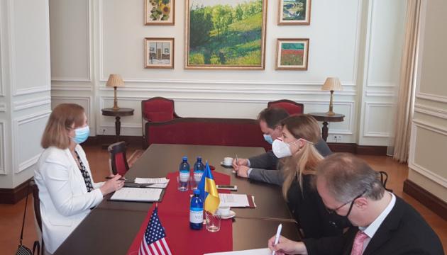 Джапарова обговорила з Тимчасовою повіреною у справах США деокупацію Криму