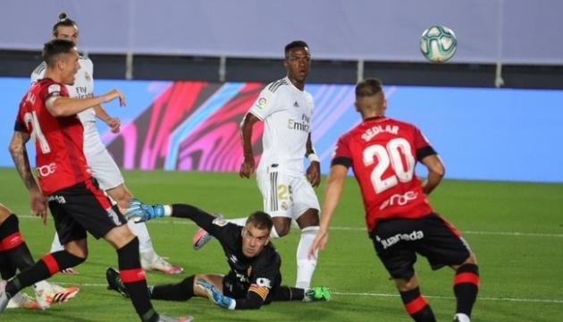 Ла Лига: «Реал» обыграл «Мальорку» и вышел в лидеры