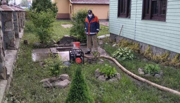 Transcarpathie : 475 foyers inondés