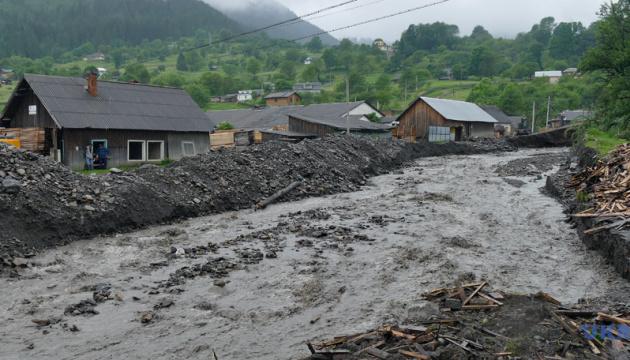 Паводок на Заході Украни: підтоплені 12 населених пунктів, зруйновані 202 км доріг