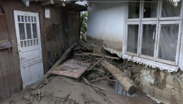 Rescuers deliver 10 tonnes of food to residents of flood-affected regions in western Ukraine