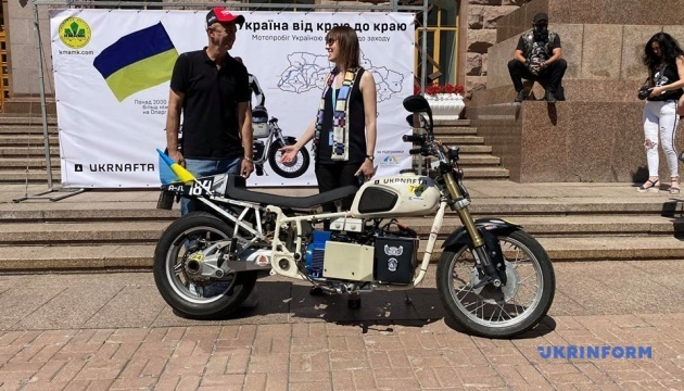На Хрещатику стартував масштабний мотопробіг від сходу до заходу України