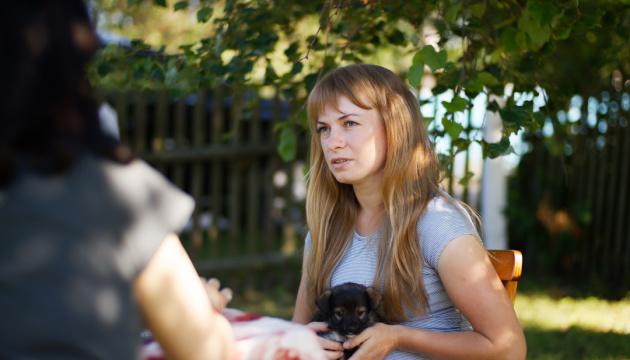 Nelya Pohrebytska, victime de viol à Kaharlykh, affirme que sa famille et elle reçoivent des menaces
