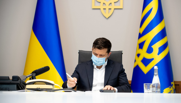 Zelensky: Ukraine imposes sanctions on 557 'thieves in law'