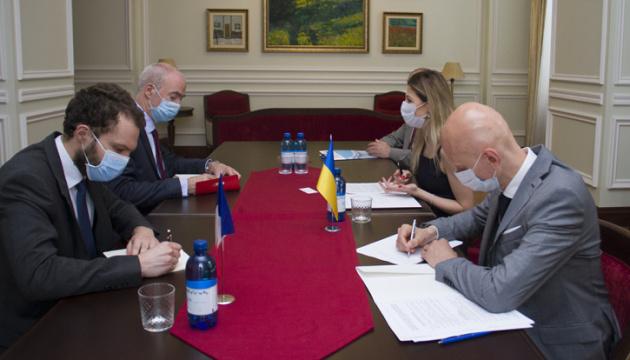 Dzheppar, French ambassador discuss priorities in protecting sovereignty of Ukraine