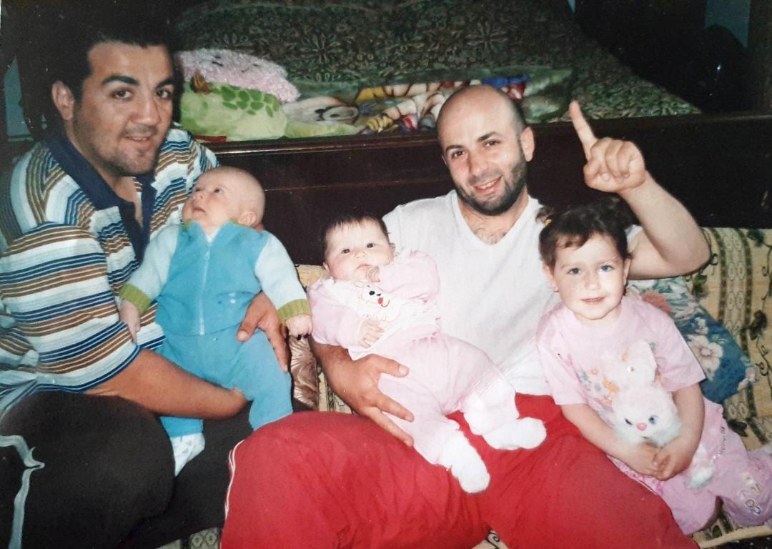 Братья Абдуллаевы с детьми