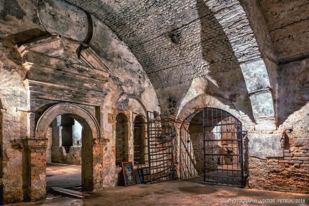 Підземелля кафедрального костелу Святих Апостолів Петра і Павла