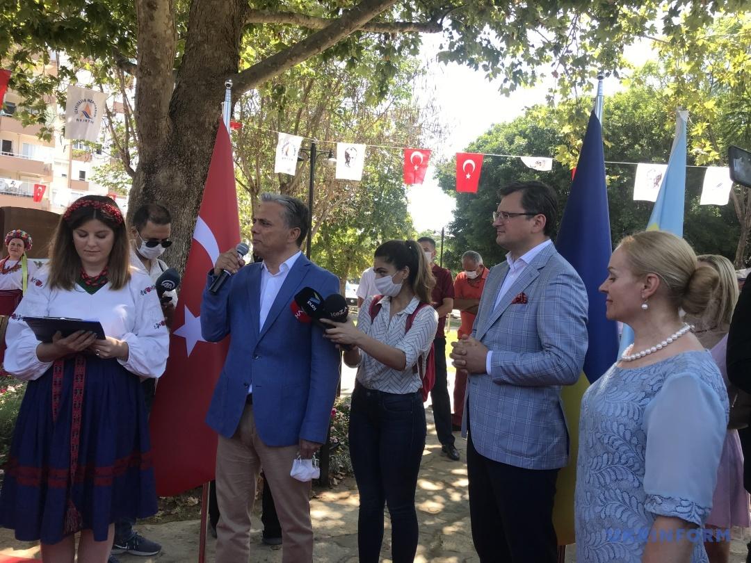 Перевірка спекою та сонцем: За підсумками візиту Кулеби до Туреччини