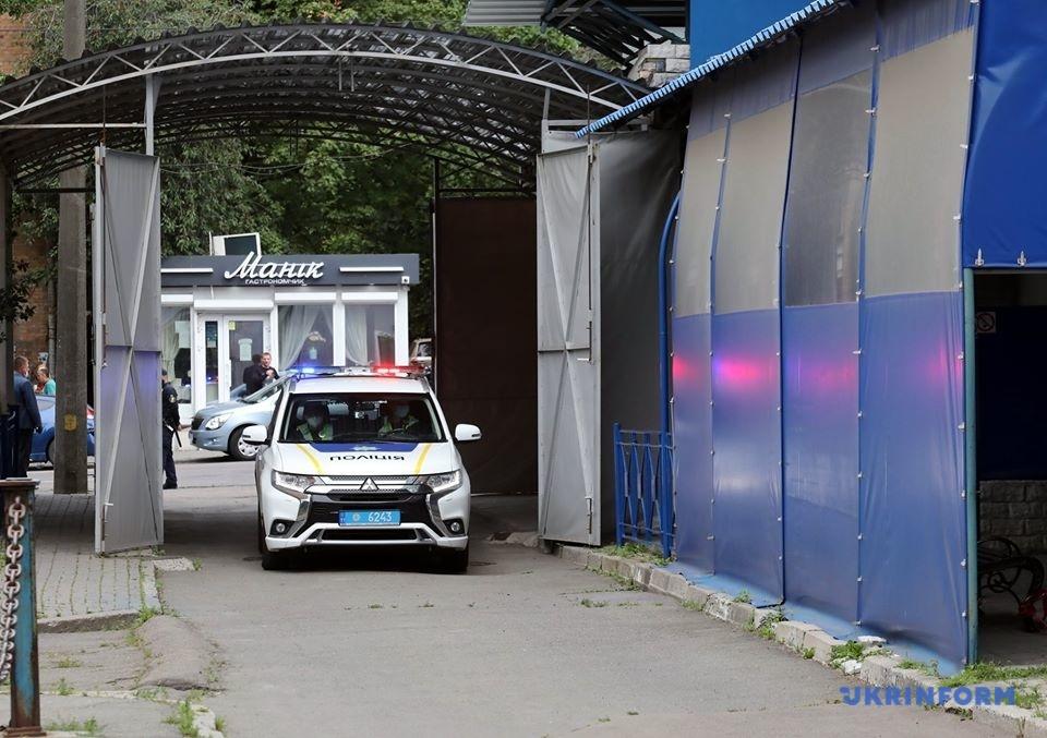 Патрульна поліція прибула на виклик відносно виявлення «невідомих об'єктів» на території дипустанови