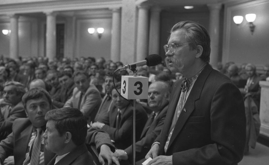 Лукяненко на засіданні ВР під час прийняття Декларації