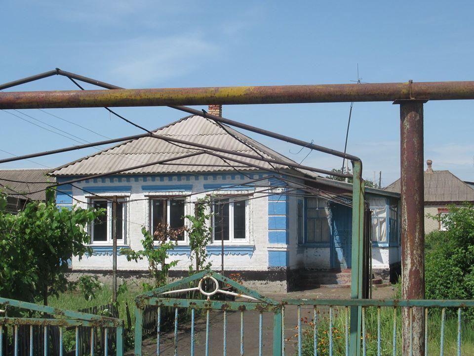 Сартана. Відновлений будинок у кольорах Греції