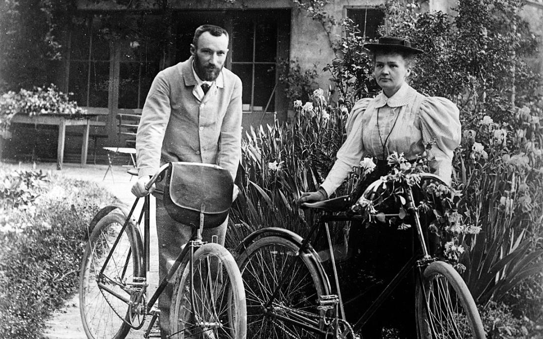 П'єру та Марі Кюрі перед весільною подорожжю