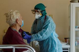 Na Ukrainie 1433 nowych przypadków koronawirusa