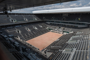 """Стадионы """"Ролан Гаррос"""" будут заполнены наполовину"""