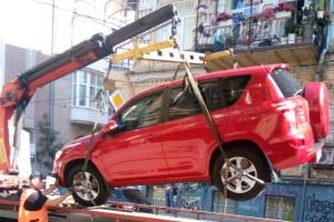 В Киеве продолжают эвакуировать авто с велополос