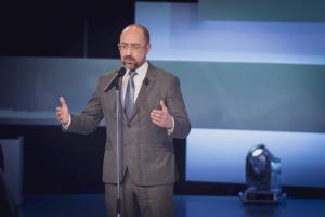 Шмигаль про поїздку Медведчука у Крим: Неприйнятний для українського політика крок