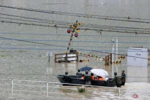 У Японії через повені евакуювали понад 200 тисяч осіб