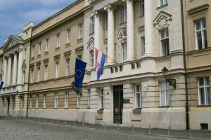 Хорватія обирає парламент – у масках, рукавичках та з дистанцією