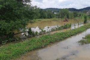 На Львівщині - загроза прориву дамби, може підтопити сім сіл