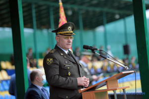 Хомчак спростовує фейки про скорочення армії