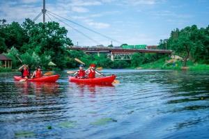 У Коростені туристам пропонують сплав на каяках річкою Уж