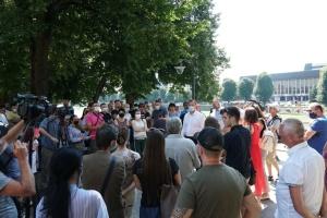 Мэр Ужгорода во время акции протеста пообещал бизнесу льготы в период карантина