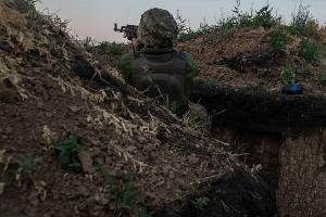 Оккупанты обстреляли позиции ВСУ из запрещенного оружия, трое бойцов ранены