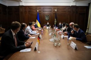 Послы G7 обсудили с Венедиктовой систему уголовного правосудия