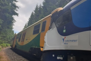 У Чехії зіткнулися пасажирські потяги, є загиблі й поранені