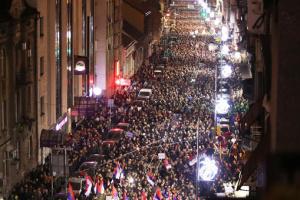 У Сербії – масові нічні акції проти повторного карантину