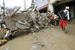 Зливи у Японії: кількість жертв зросла до 60