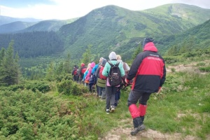 Рятувальники допомогли туристам з дітьми, яких дорогою на Говерлу заскочила гроза