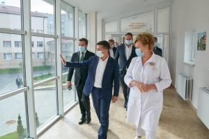 Приклад для всієї України: Зеленський похвалив перинатальний центр на Волині