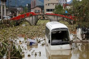 Кількість загиблих через зливи в Японії зросла до 66