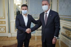 Zelensky agradece a Turquía por su apoyo durante la pandemia e inundación