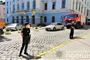 """Масове """"мінування"""" у Чернівцях: поліція відкрила справу"""